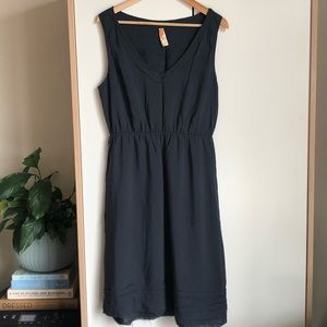 Anthropologie navy blue v neck sleeveless dress M